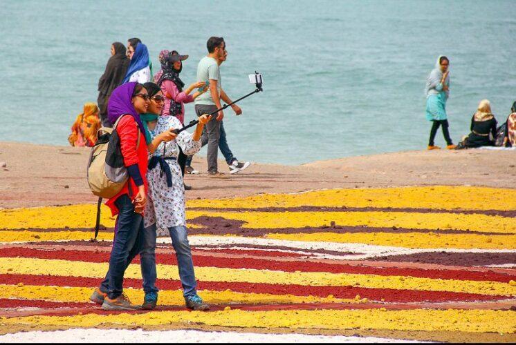 جزیره هرمز، الماس رنگارنگ خلیج فارس