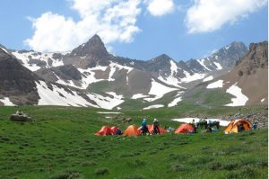 سیر صعود به علم کوه مازندران