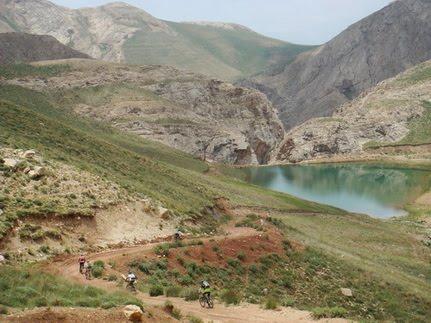 دریاچه لزور