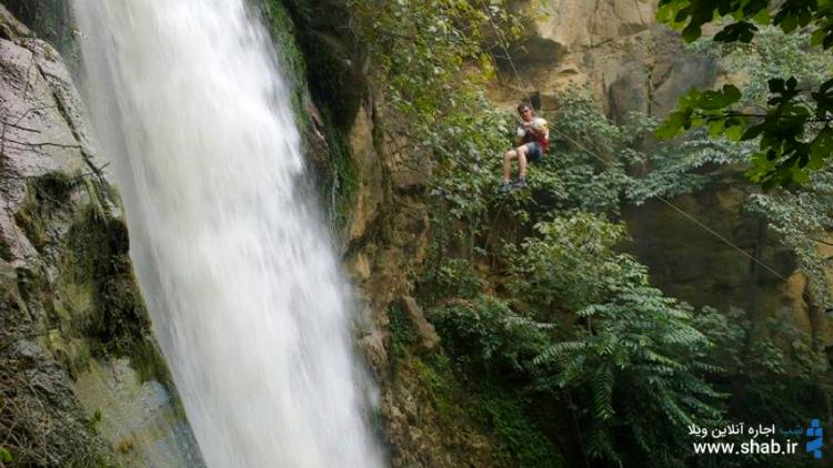 آبشار کبودوال آنجا که آب بر روی مخملی سبز میرقصد