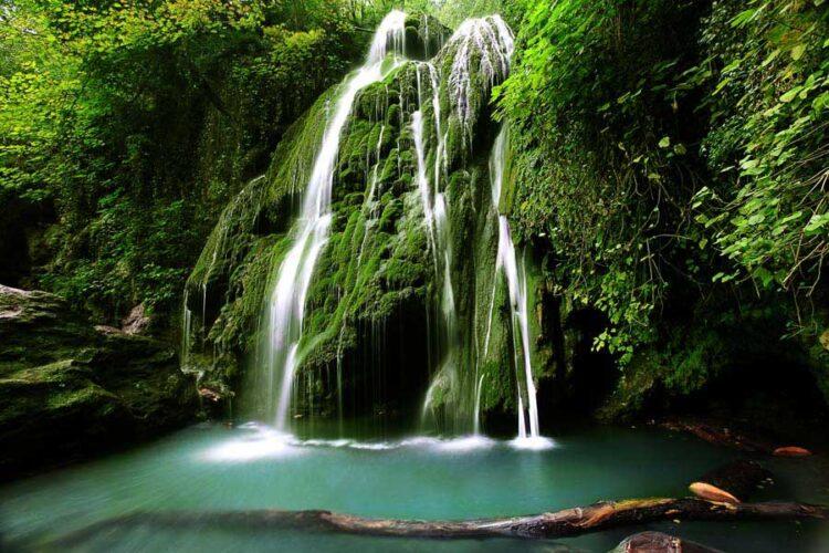 آبشار کابودوال آبشار مخملی سبز در ترکمن صحرا