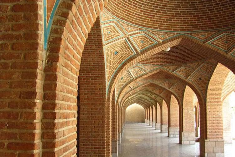 مسجد جامع  از مهمترین جاذبههای تاریخی دزفول