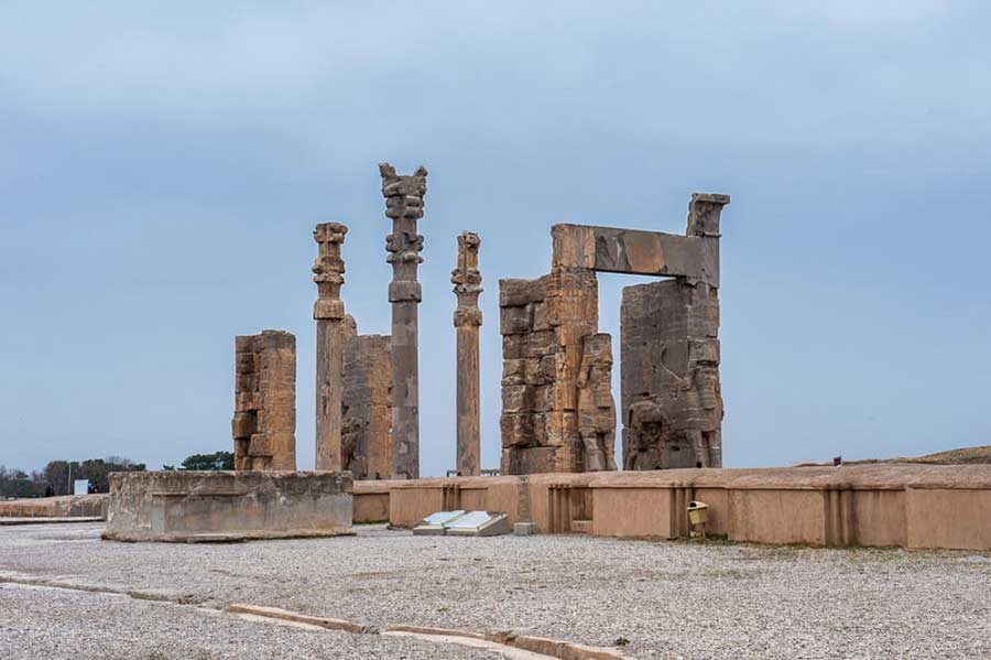پرسپولیس-راهنمای سفر به استان فارس