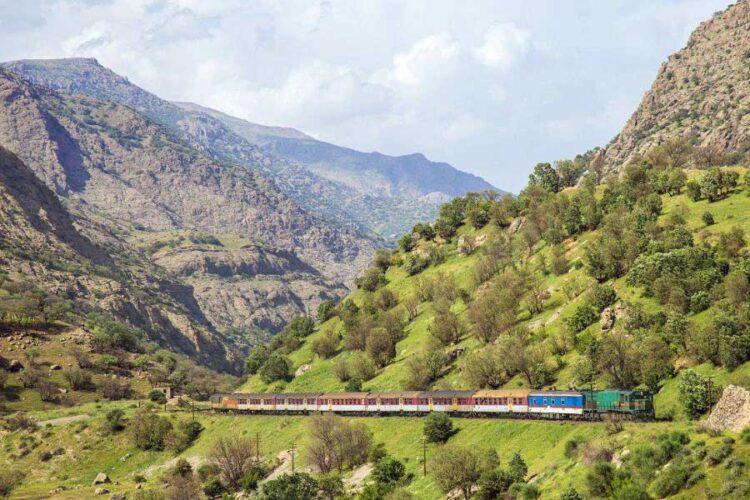 خط راه آهن در استان لرستان