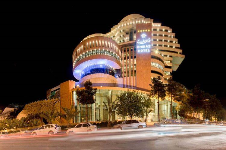 هتل لوکس بزرگ شیرازنزدیک به دروازه قرآن