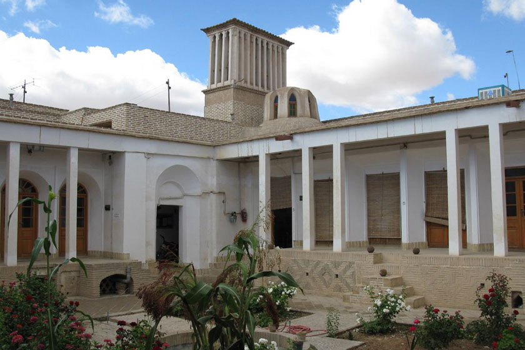خانه یغماییها از جاذبههای تاریخی شاهرود