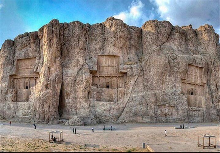 نقش رجب شیراز