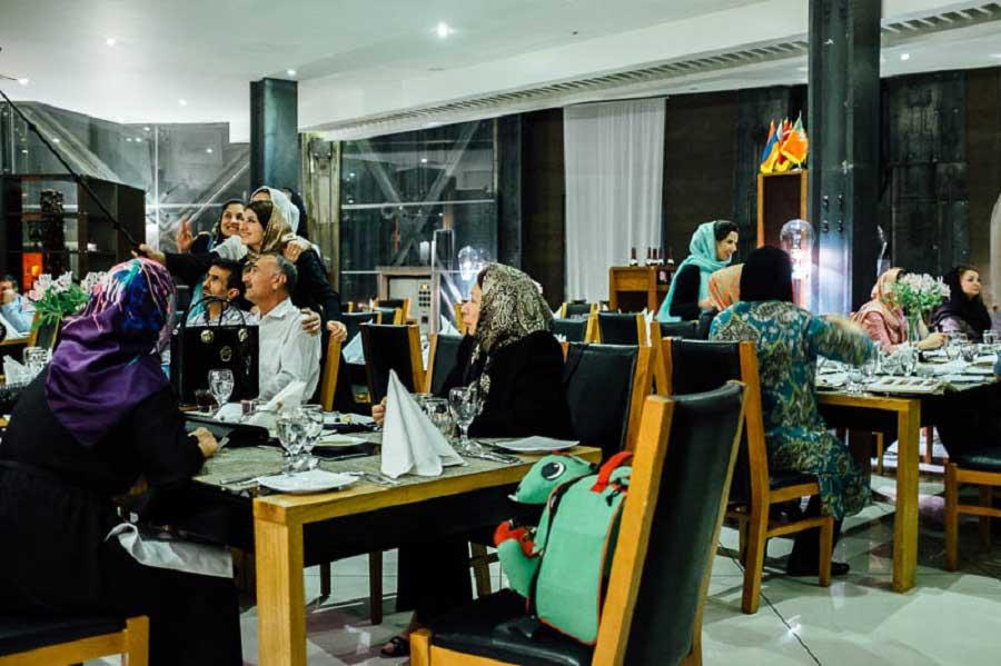 رستوران هفت خان شیراز