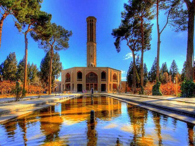 باغ دولت آباد یزد و بادگیرهای سنتی یزد