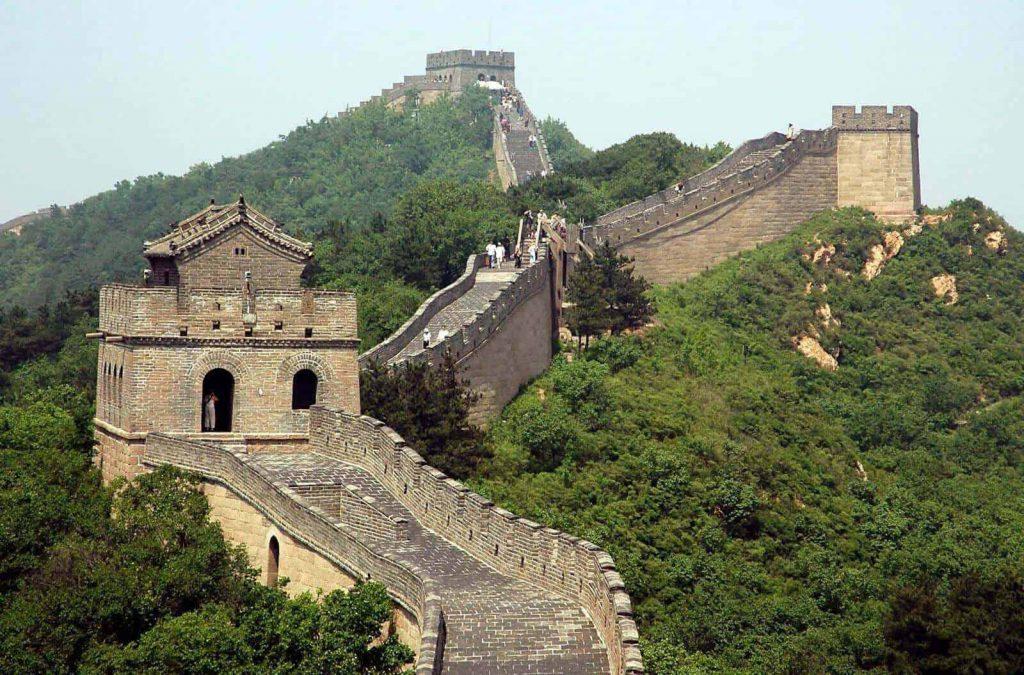 قدم زدن روی دیوار بزرگ چین