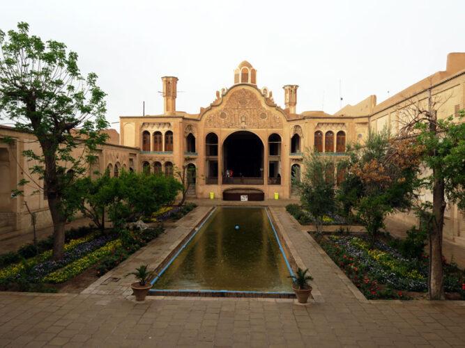 خانه ی بروجردی ها از خانه های تاریخی کاشان