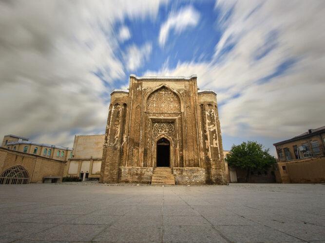 تصویری از گنبد علویان در همدان