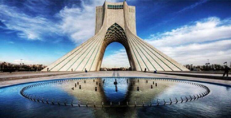 تصویر برج آزادی تهران