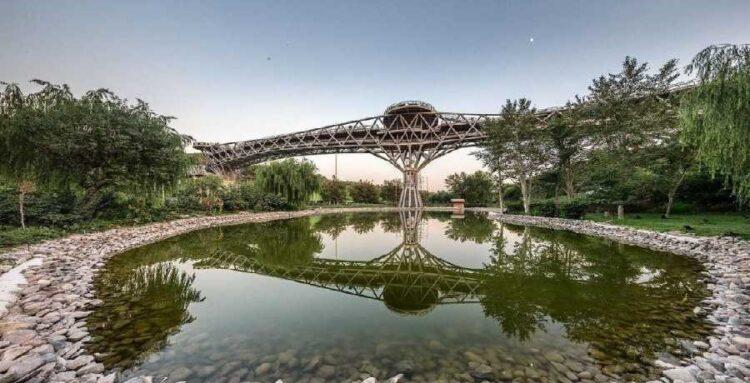 تصویری از پل طبیعت تهران
