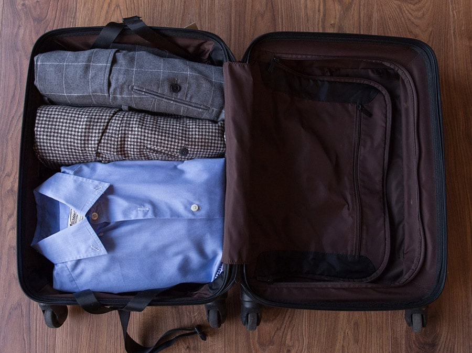 بهترین روش حمل پوشاک در چمدان