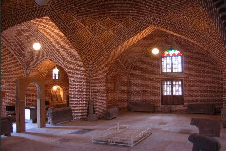 مقبره آقالار (موزه سنگقبر مراغه)