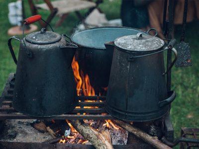 چطور با آشپزی در سفر پول پس انداز کنیم؟